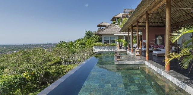 Villa The Longhouse , Pool with View