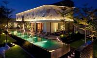 4 Bedrooms Villa Issi in Seminyak
