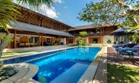 4 Bedrooms Villa Windu Sari in Seminyak