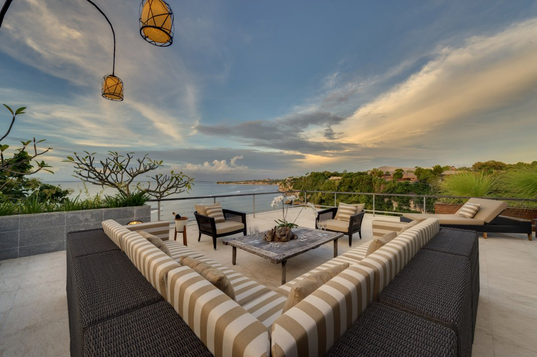 Villa The Luxe Bali Penthouse Suite Terrace