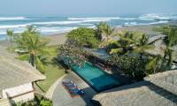 6 Bedrooms Villa Sound Of The Sea in Canggu