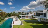 5 Bedrooms Villa The Palm House in Canggu