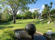 Villa KaliBali, Lower front garden with miniature golf course